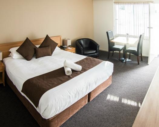 Hospitality Esperance, SureStay Collection by Best Western Executive King room