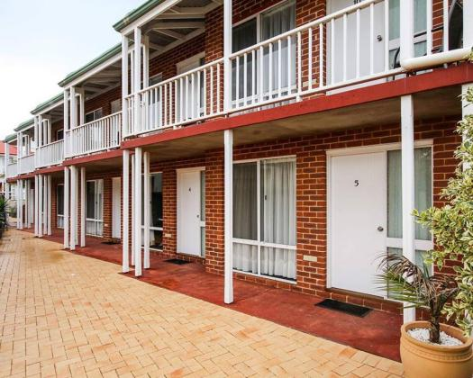 The Jetty Resort Esperance 'red brick' motel rooms