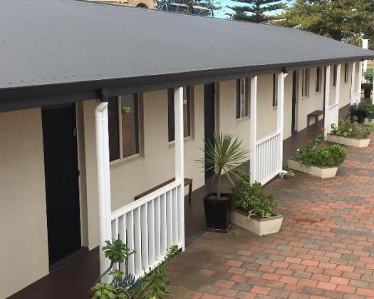 Esperance Central Accommodation ground units